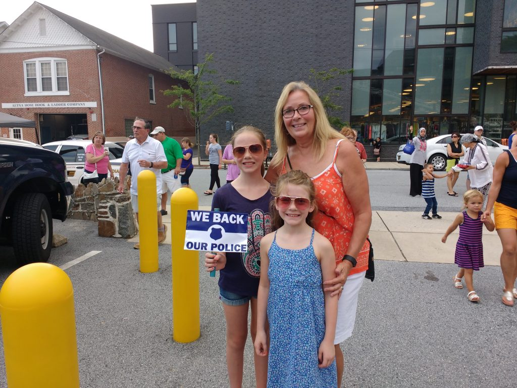 Newark Mayor Polly Sierer and The Girls from What's Up Delaware @ National Night Out
