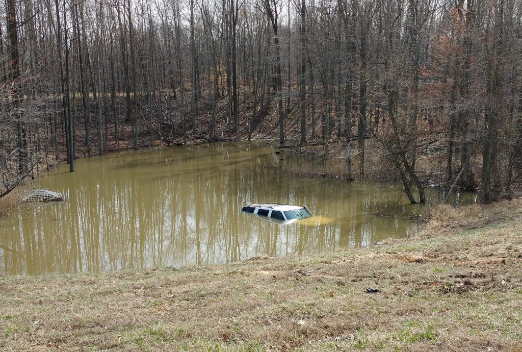truck in pond2