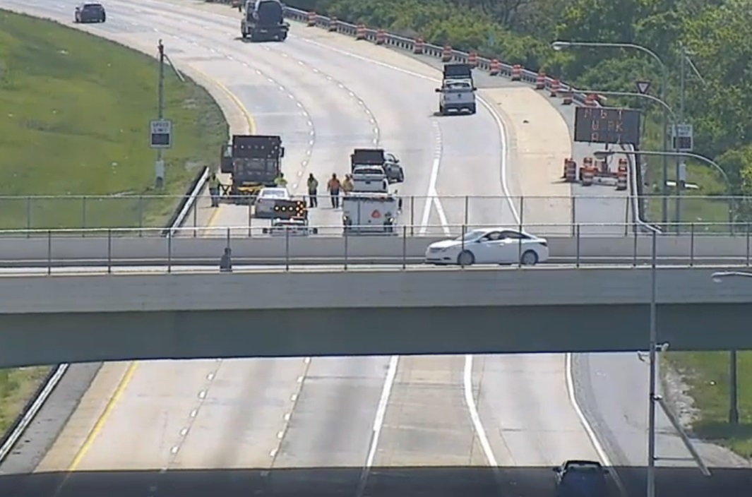 Happeing Now: I-495 NB Closed To Accident Involving DelDOT Truck