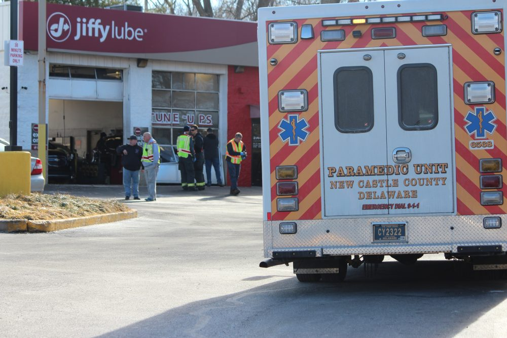 Man Pinned Between Two Cars At Oil Change Shop In Newark