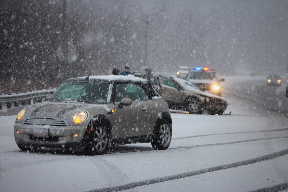 Heavy Snow Causing Another Round Of Crashes In The Newark
